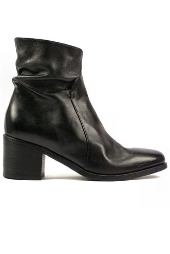 Boots Black Leather, INTERNO1