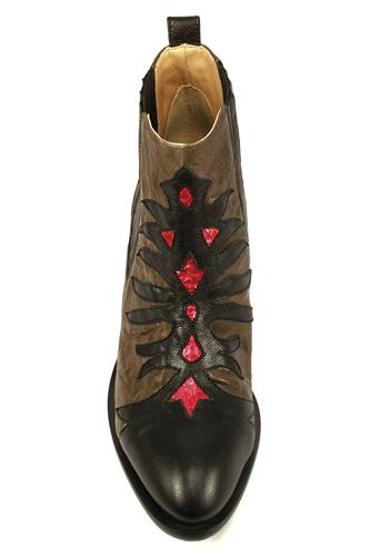 Cassandre Graphite Black Leather Red Ayers